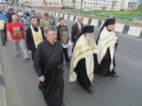 В Орше крестный ход встретили монахи Богоявленского Кутеинского монастыря и проводили до своей обители