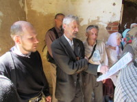 Поющая  крестоходная братия