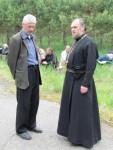 Привал. Кресотоходец Николай беседует с отцом Ростиславом Стрехой