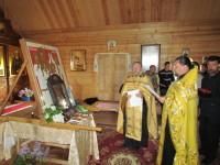 Молебен новомученикам перед выходом из храма преп.Сергия, который совершили священники Андрей Дорощенко и Александр Вячорко