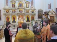 Молебен перед выходом из храма Царственных мучеников
