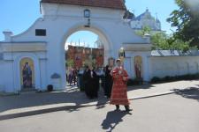 Крестный ход из Никольского монастыря к Царскому храму