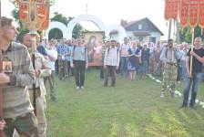 По традиции крестный ход  сделал остановку у Казанского храма села Барколабово для молебна и трапезы
