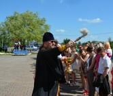 Настоятель кричевского храма благословил выпускников