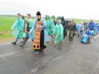 Протоиерей Валентин Кожановский возлавил шествие на выходе из Ореховска