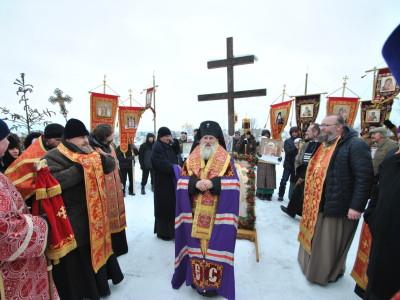 Архиерейское богослужение и крестный ход  в честь подвига новомучеников и исповедников Церкви Русской