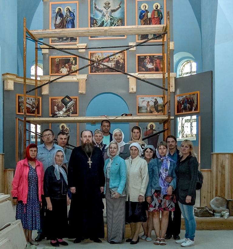 Посетили православные храмы Костюковщины члены Клуба традиционных славянских ценностей,