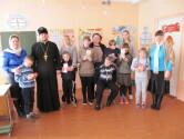 В Черикове священник поздравил с Рождеством Христовым детей из коррекционного центра