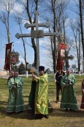 «Кресту Твоему поклоняемся, Владыко». В Черикове на месте разрушенного храма установили поклонный крест