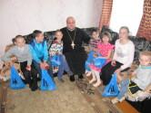 В Черикове на Пасху священник посетил детский дом семейного типа