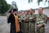 Торжественное вручение оружия новобранцам состоялось в войсковой части 6713