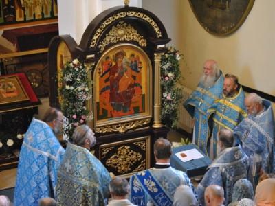 Престольный праздник отметили в храме иконы Божией Матери «Всецарица»