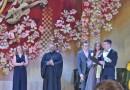 Священник поздравил с вручением дипломов молодых педагогов музыки