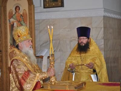 Служение архиепископа Софрония в Неделю 5-ю по Пятидесятнице