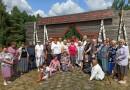 Могилевские ветераны труда совершили просветительскую поездку по памятным местам и святыням Славгородского района